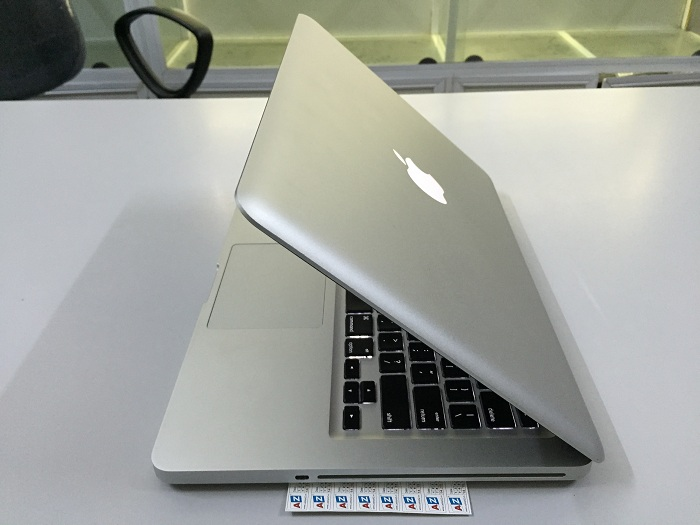 Apple Macbook Pro MD313 (Core i5-2430M 2.4GHz, RAM 4GB, HDD 500GB, VGA Intel HD Graphics 3000, 13.3 inch)