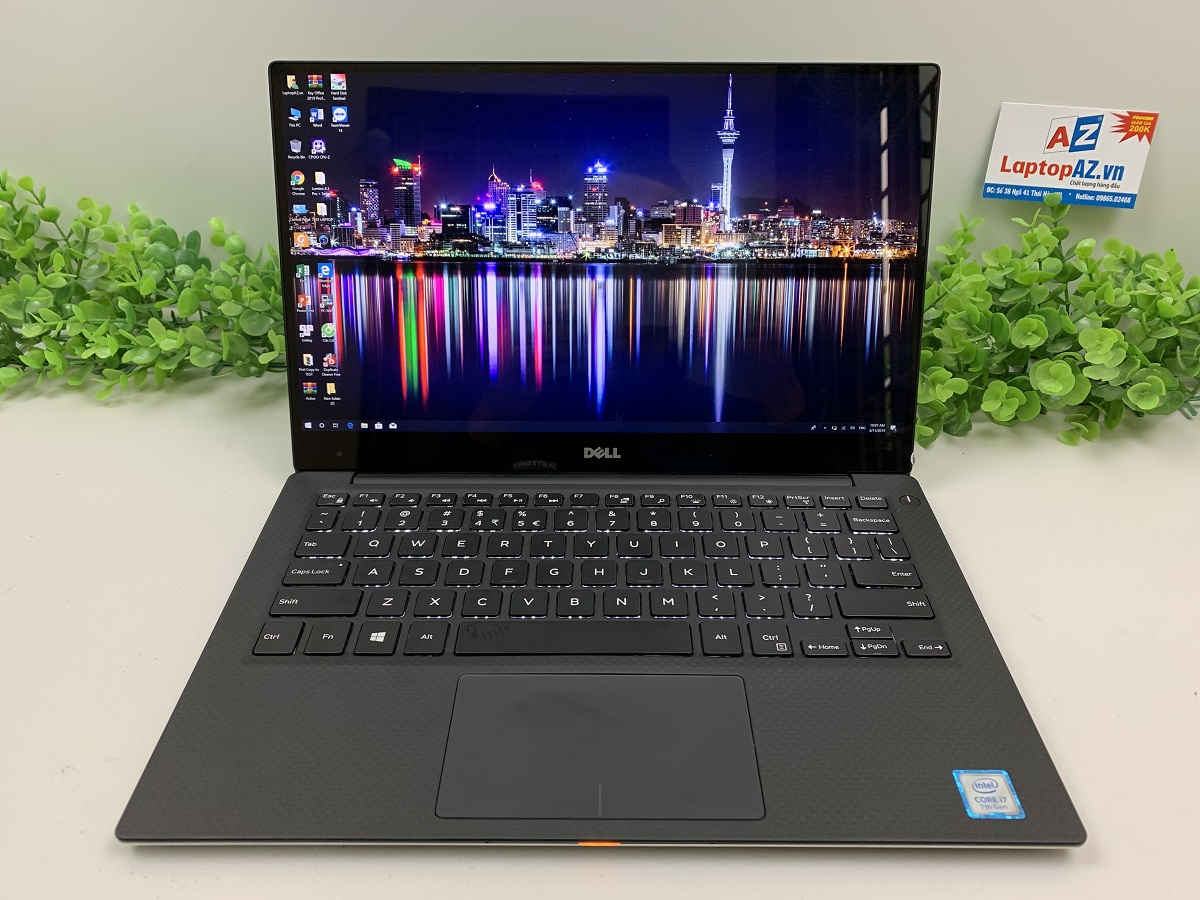 Laptop Dell XPS 13-9360 (Core i5-8250U, RAM 8GB, SSD 256GB, VGA Intel HD Grapics 620, 13.3 inch 3K IPS)