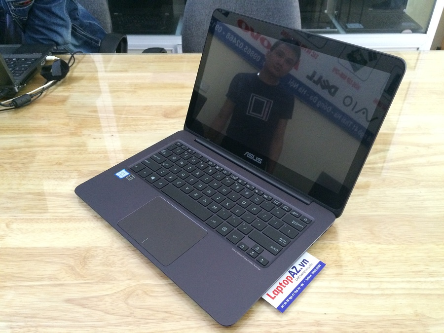 Laptop Asus ZenBook UX305CA (Core M3- 6Y30, RAM 8GB, SSD 256GB, VGA Intel HD Graphics 515, 13.3 inch IPS 3K 3200x1800)